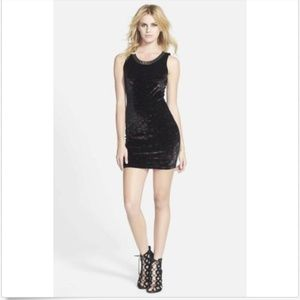 ASTR Body-Con Dress M Medium Sleeveless Scoop Neck